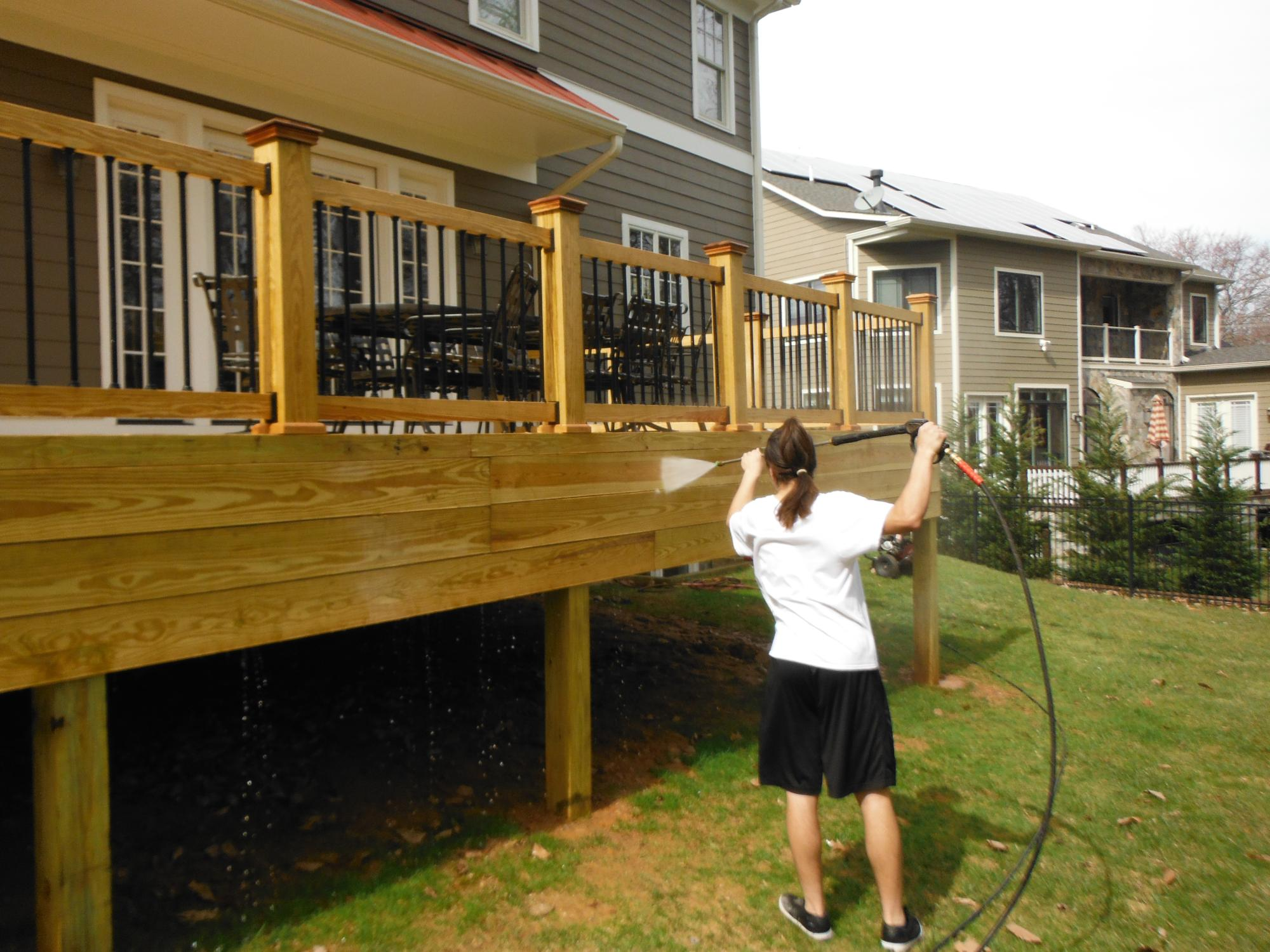 Cleaning white pine deck