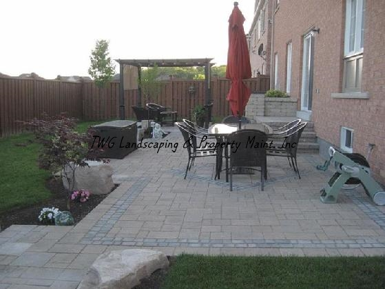 559_back_patio1-1.jpg