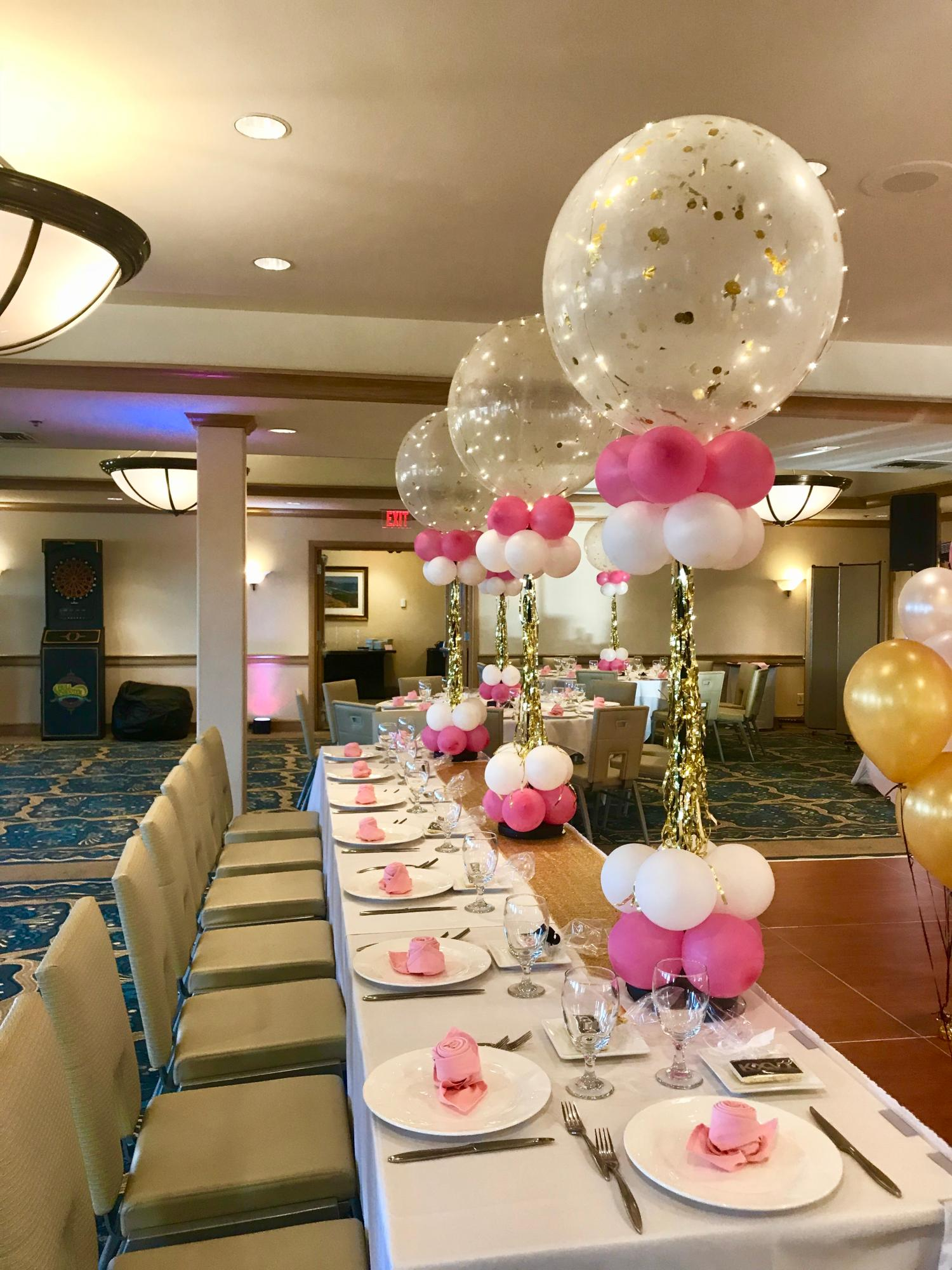 balloon_centerpieces_by_Violet_Balloonz.JPG