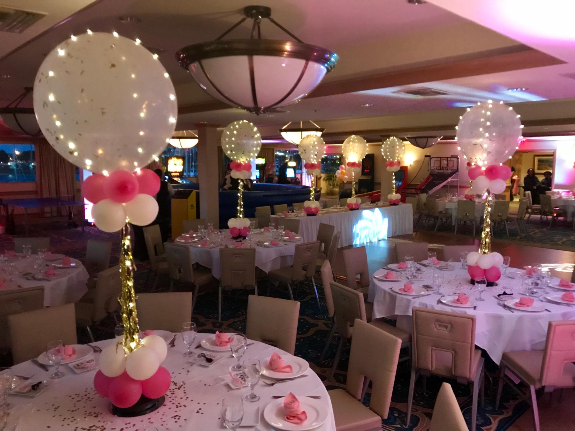 balloon_centerpieces_with_lights_Violet_Balloonz.JPG