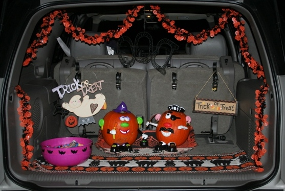 Trunk-or-Treat2C-04.jpg