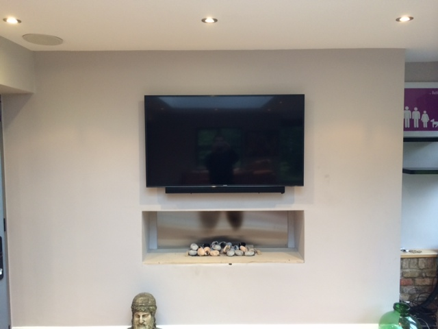 Smart-TV-and-Soundbar-Wall-Install.jpg