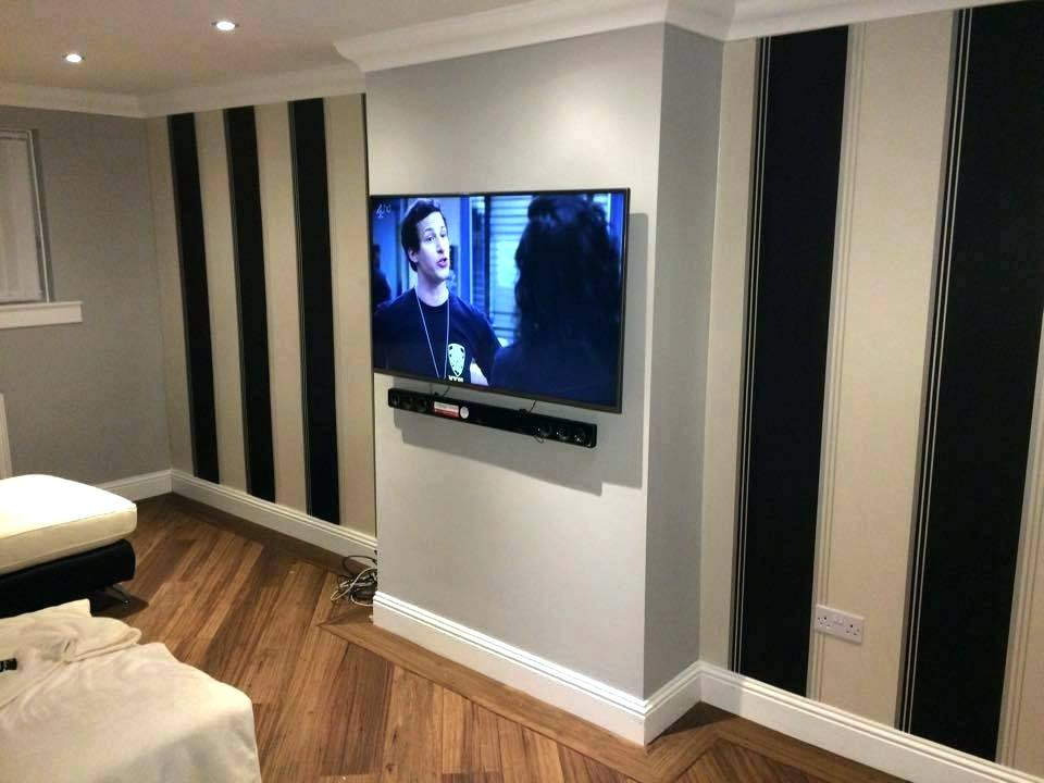 wall-mount-with-soundbar-mounting-sound-bar-sky-cabling-professional-installer-plasma-led-bracket-for-tv-above.jpg
