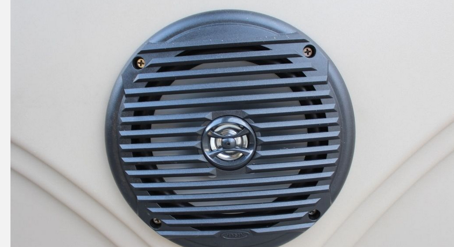 Bentley_LE_200_CW_LE_SPEAKERS.png
