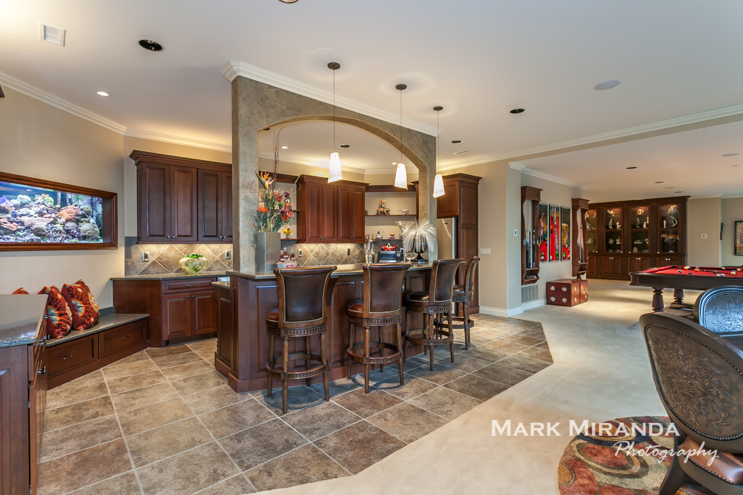 Wet Bar and Family Room