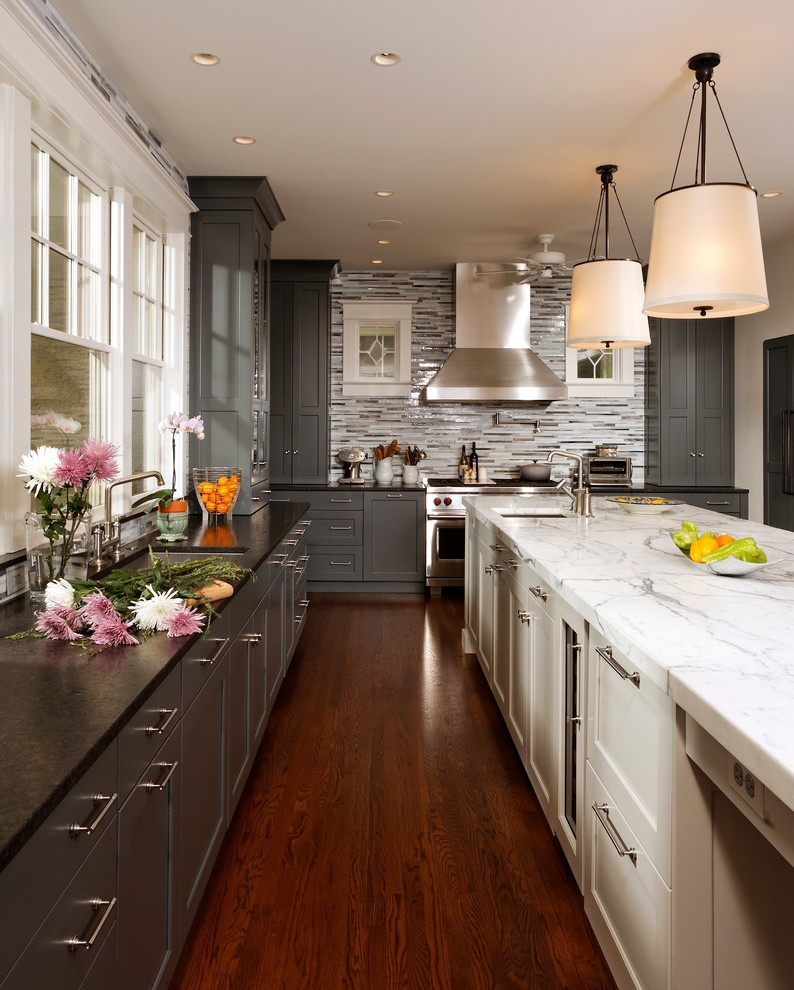 two-tone-kitchen-cabinets-Transitional-Kitchen-Colour-Schemes-Chicago.jpg