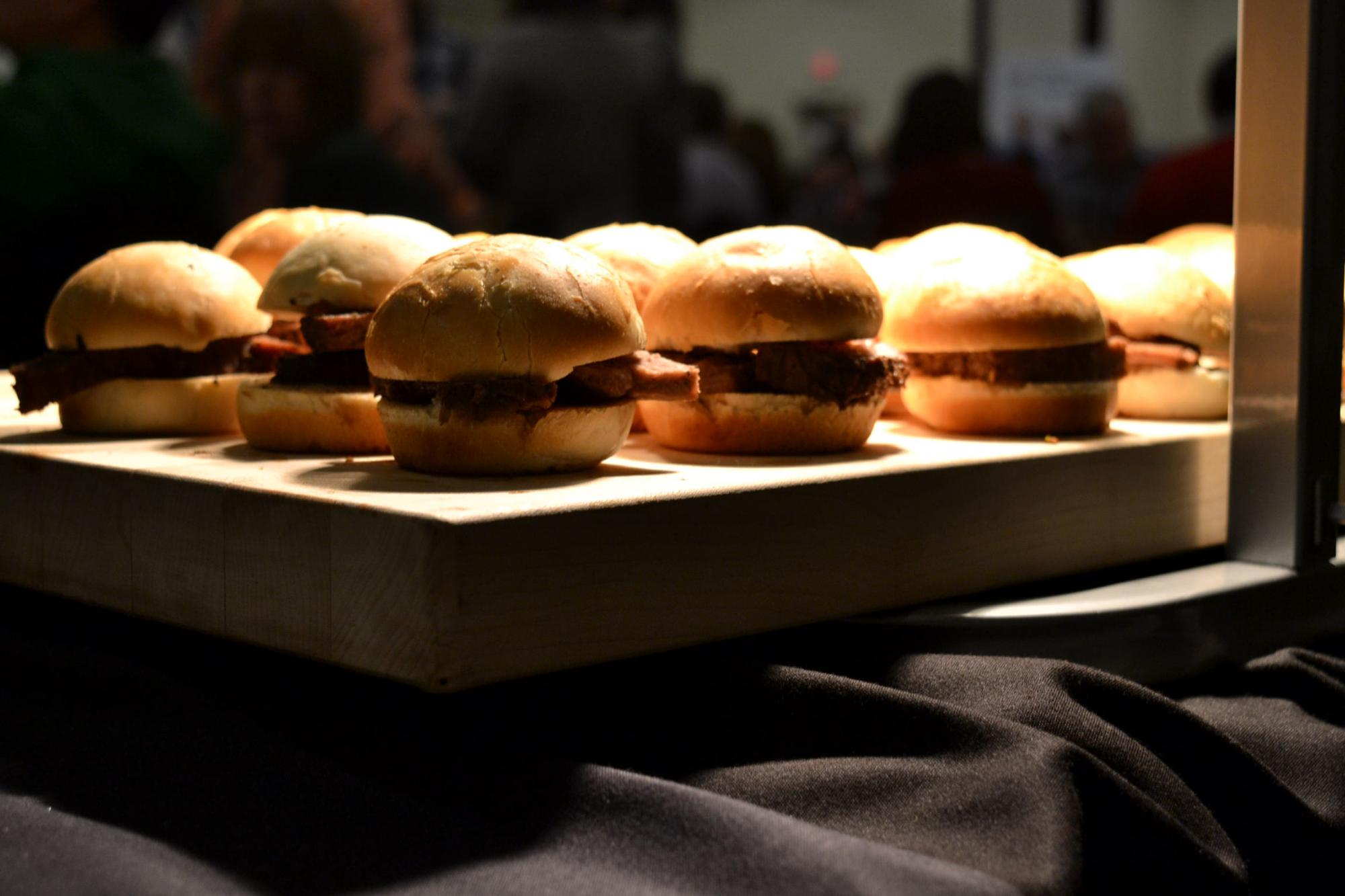 Sliders_in_buffet_line.jpg