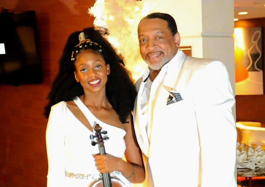 "Hip Hop Violinist Bri ""Blvck"" and Wayne on NYE 2021"