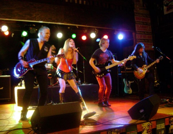 2009. SLAMMIT! at Cubby Bear North in Lincolnshire, IL - Photo: Jeannie Grech