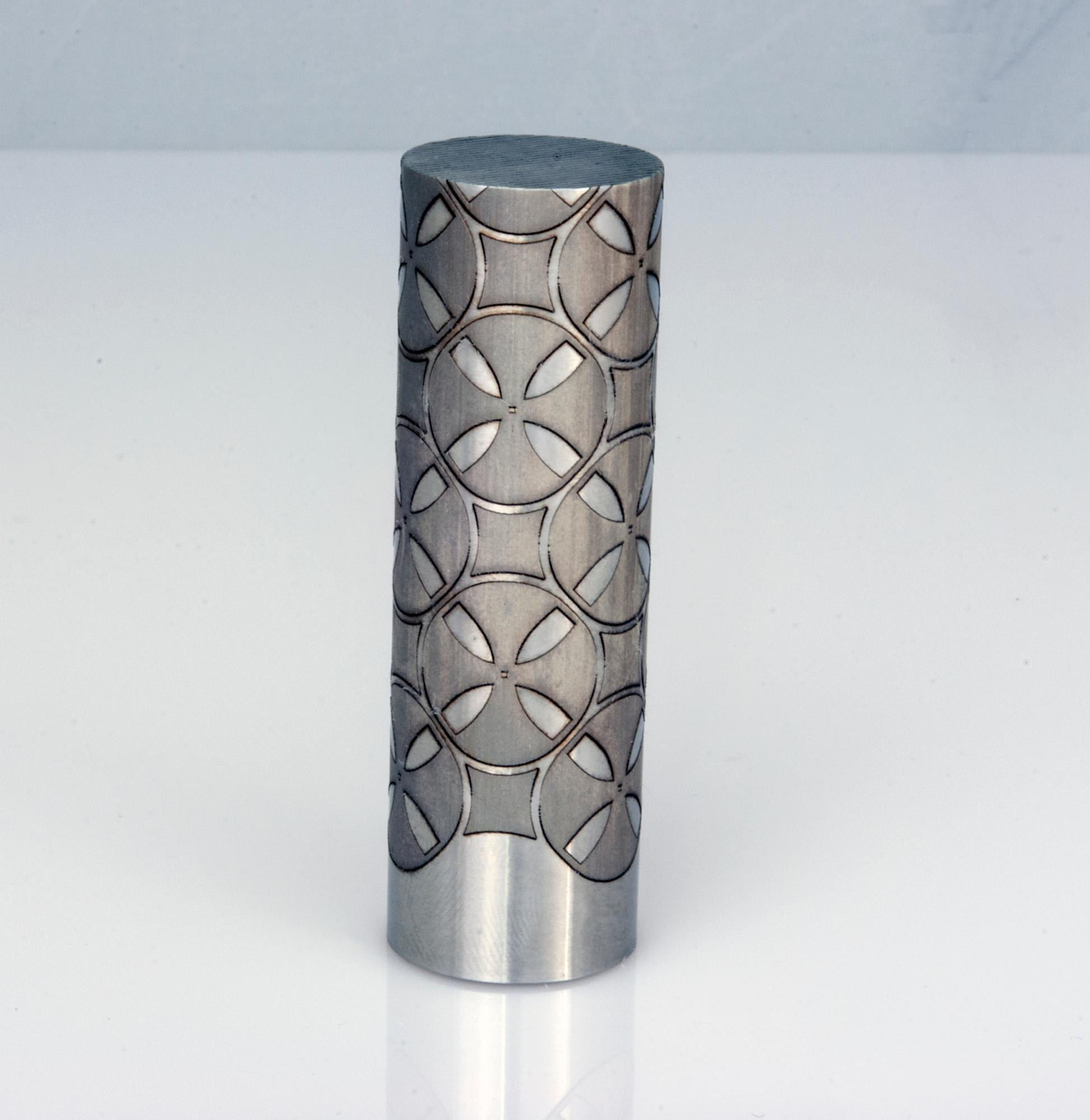 Continuous patterns on cylindrical objects
