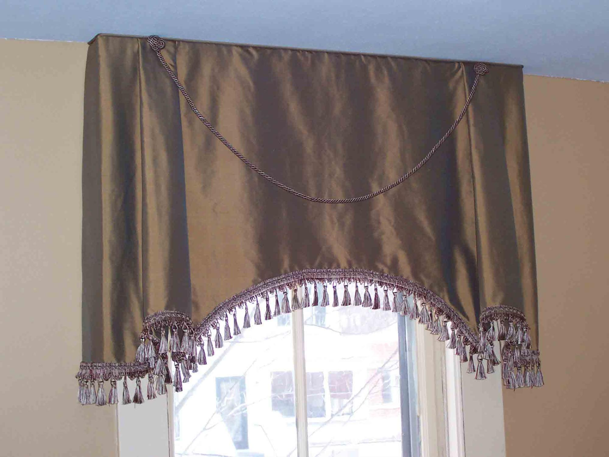 Soft Cornice with flat pleats