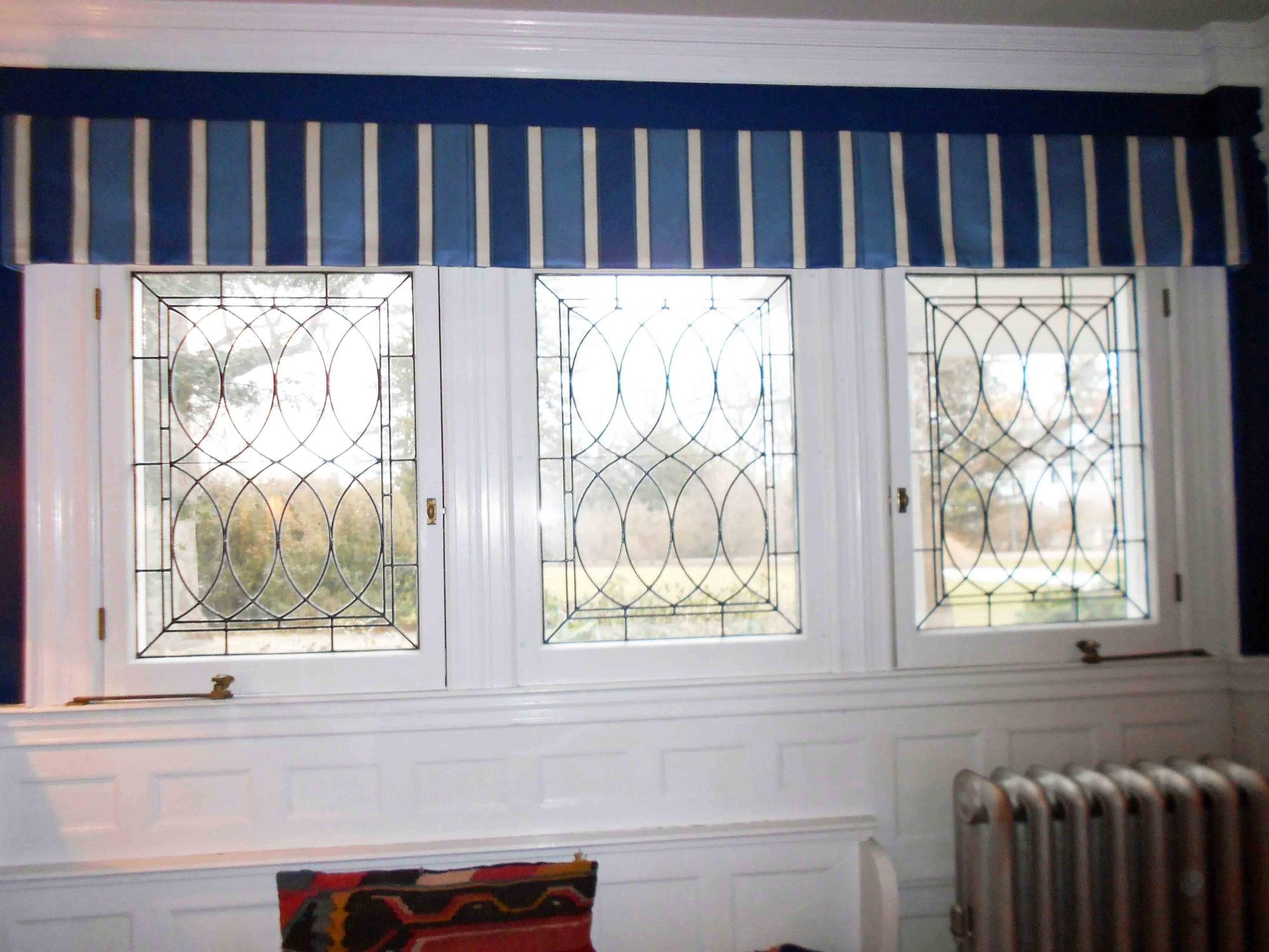 Straight valance with pleats and each window and corners