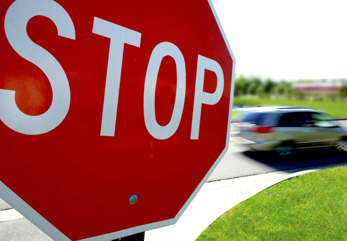 not-recognizing-a-2-way-stop-sign-intersection.jpg