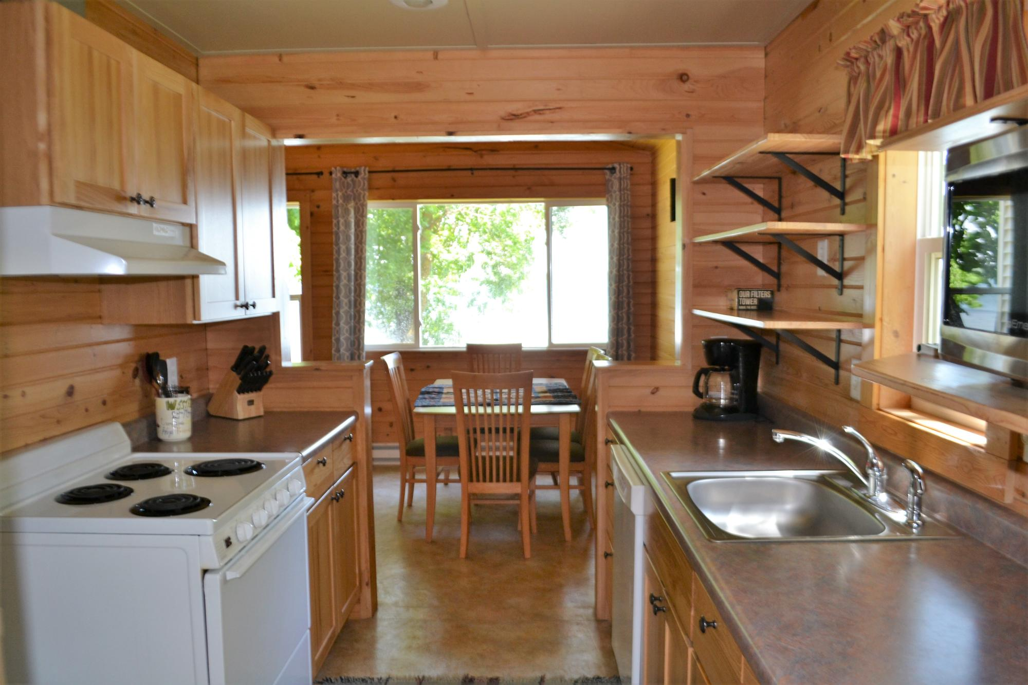 cabin_2_kitchen.JPG