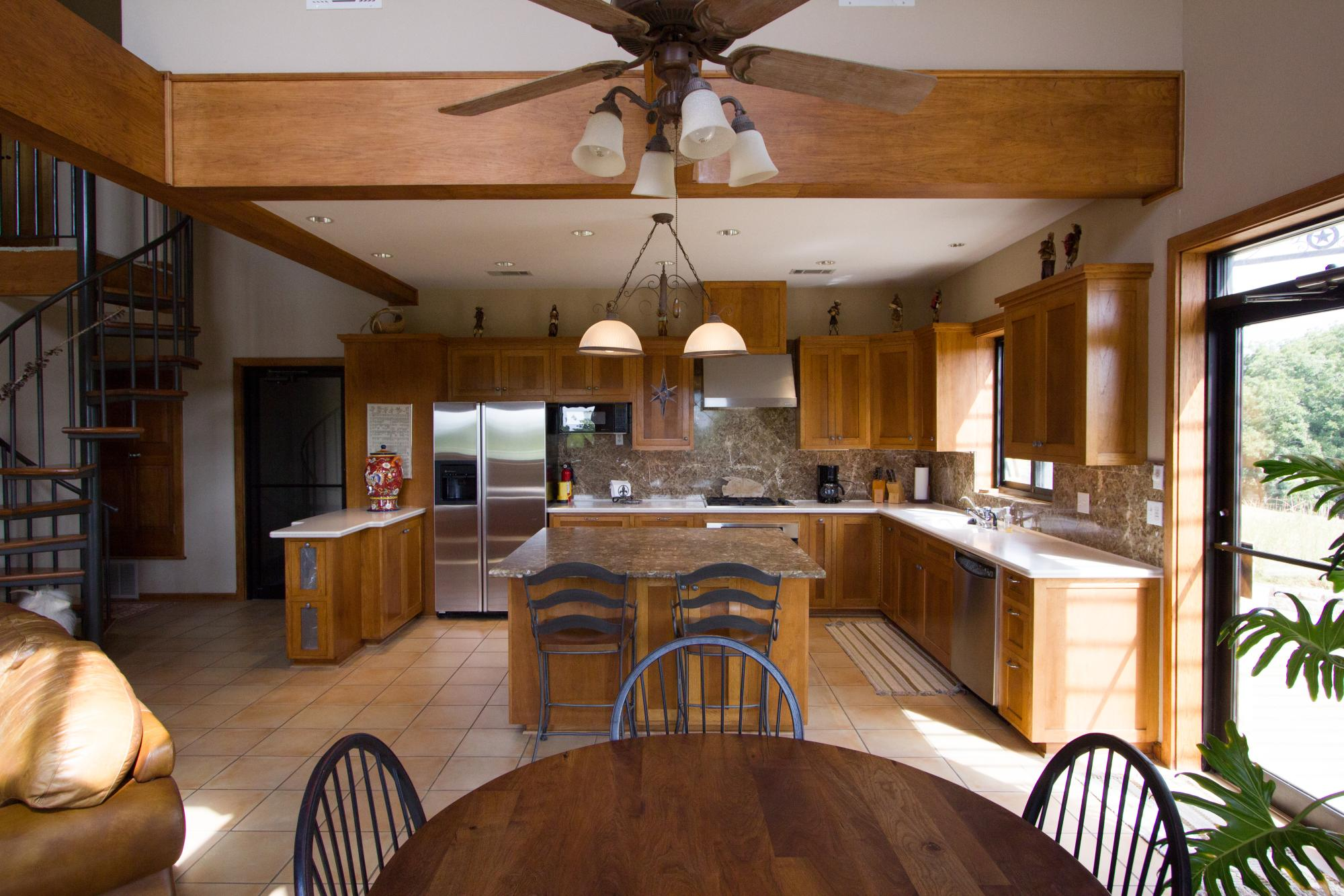 Vintner_s_Quarters_Kitchen_-_Peary_Photography.jpg
