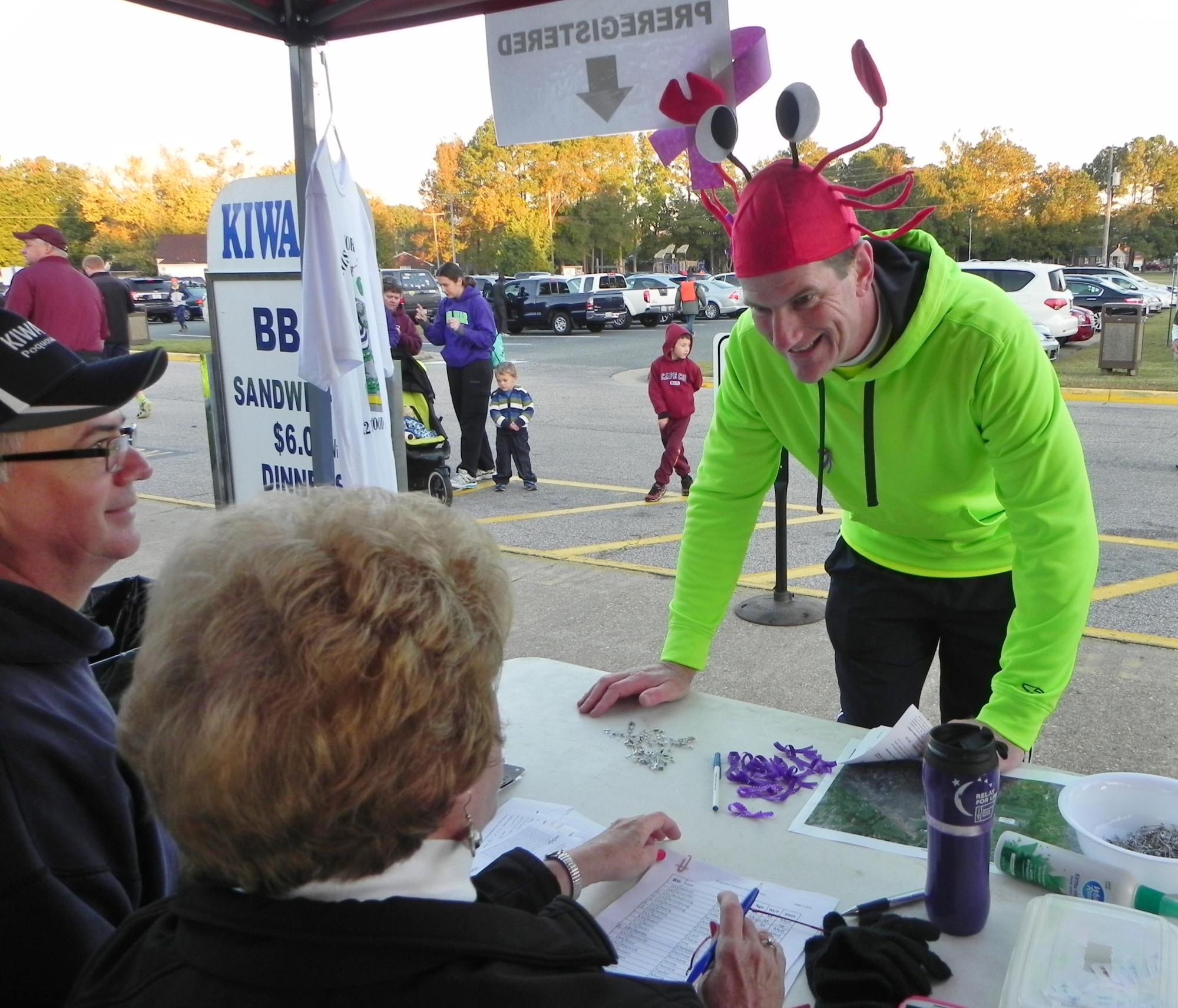 rich-clifton-checking-out-registration-table-oct-31-2015.jpg