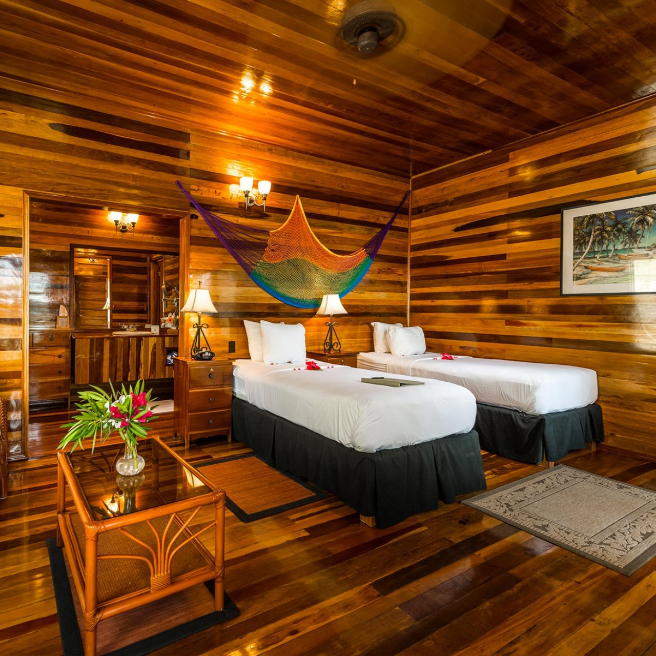 BZE_T_ISL_RESORT_DLX_ROOM.jpg