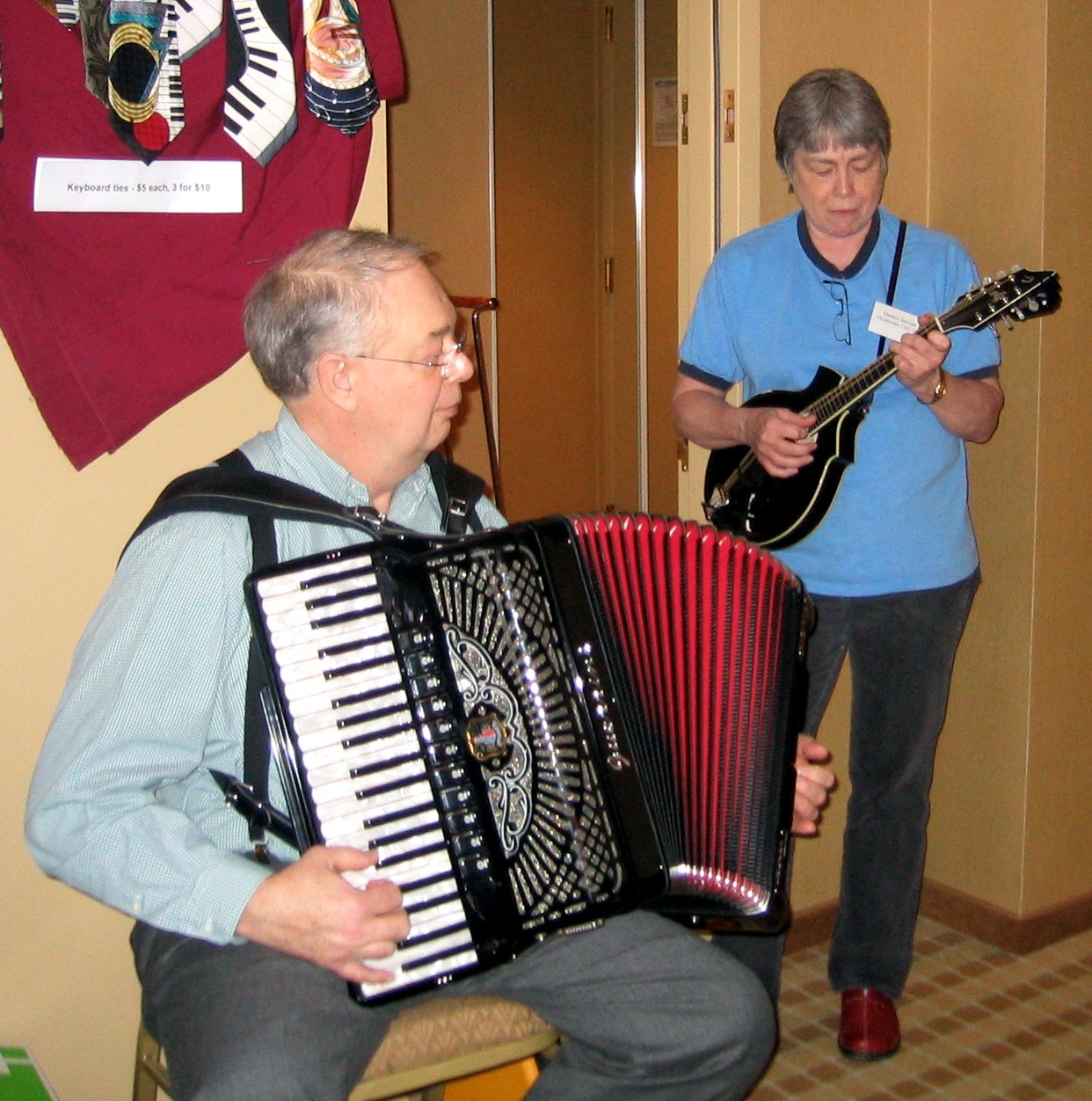 Dale and Martha jam at the 2005 NAA convention